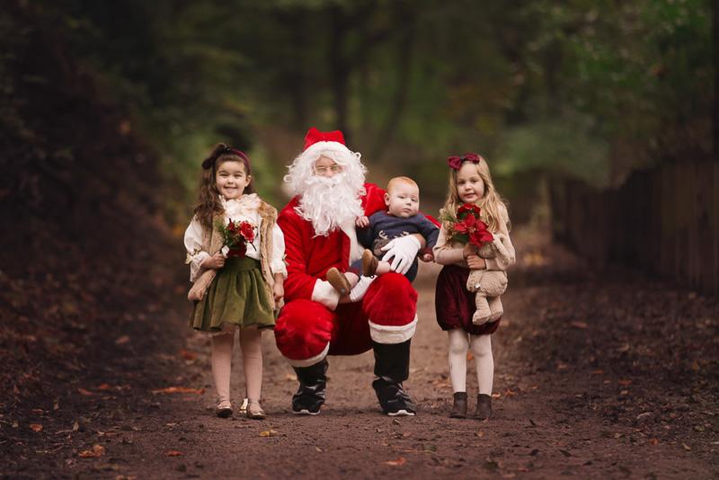 photo with santa leeds photographer