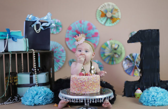 arpna photography bangalore photoshoot cake smash top