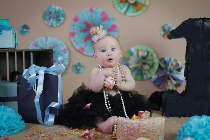 breakfast at tiffany cake smash first birthday photoshoot